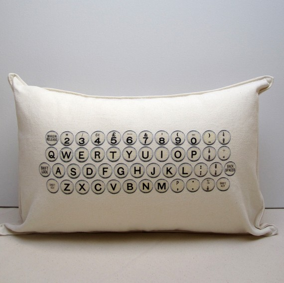 typewriterPILLOW